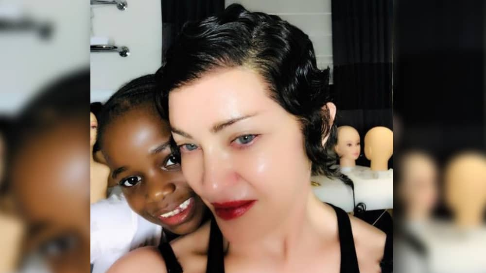 www. μαύρο και Ebony