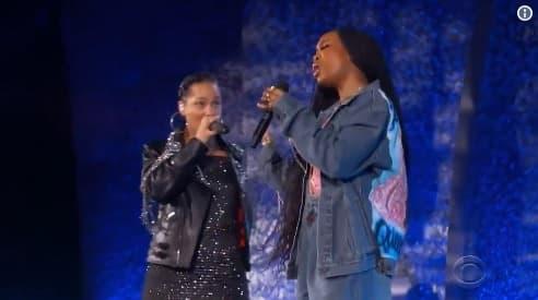 Alicia Keys and SZA Perform Moving Aretha Franklin Medley
