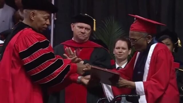 99-Year-Old WWII Veteran Gets College Degree After 70 Years