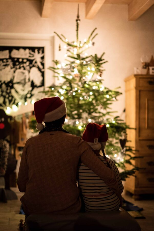 Holiday Happiness: Will You Fake It or Make It? • EBONY